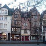 T1 Tours. Place Plumereau